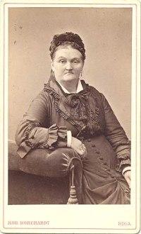 Katrīna Dombrovska (1830-1903), veiksmīga komersante un ilggadēja Rīgas latviešu labdarības biedrības priekšniece